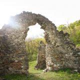 ruinele vechii mănăstiri Vodiţa